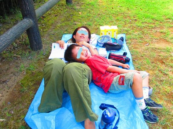 20130907 公園昼寝.jpg